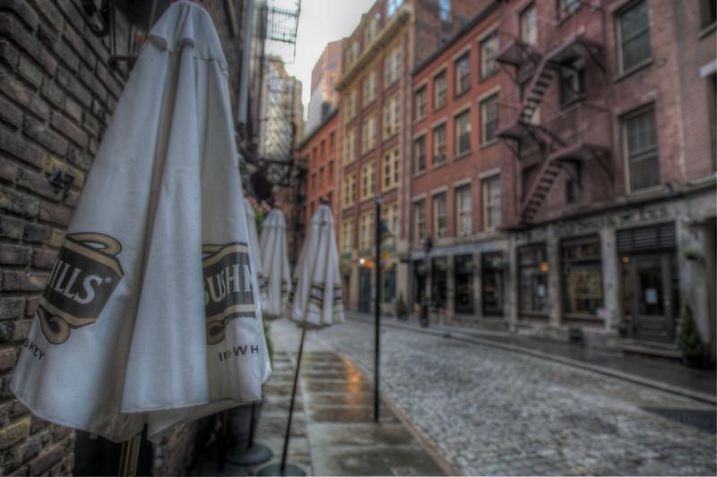 Stone-Street-downtown-manhattan-bushmills-early-sunday-morning.jpg