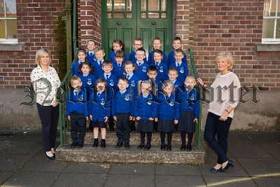 New Primary 1 pupils at St Clares Abbey pictured with Mrs Cribbin and Mrs Doyle. R1539008