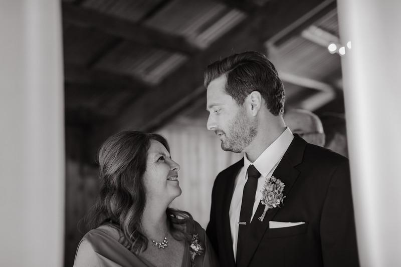 Seattle Wedding Photographer-708.jpg