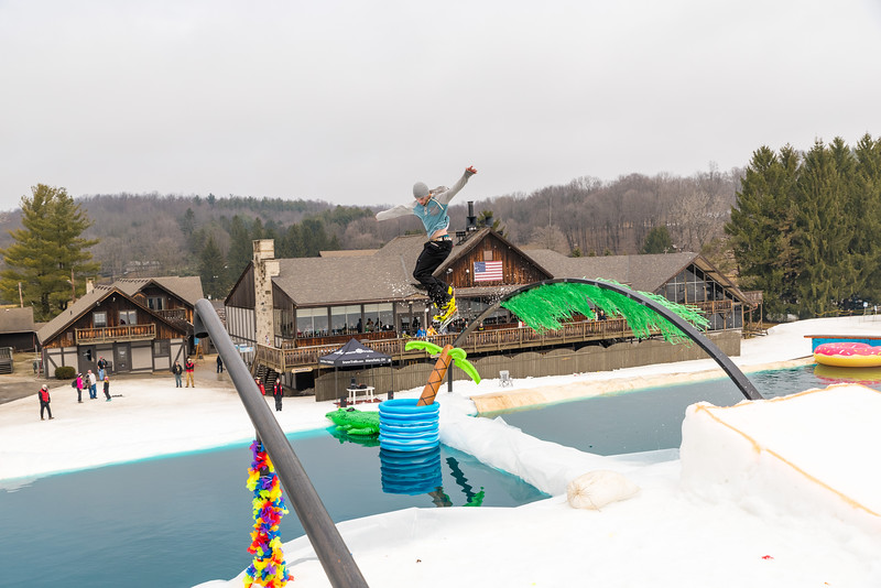 Pool-Party-Jam-2015_Snow-Trails-830.jpg