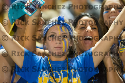 09-27-13 Sandburg Homecoming Students