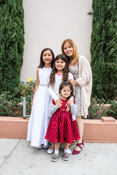 180520 Emmas 1st Communion-14.jpg