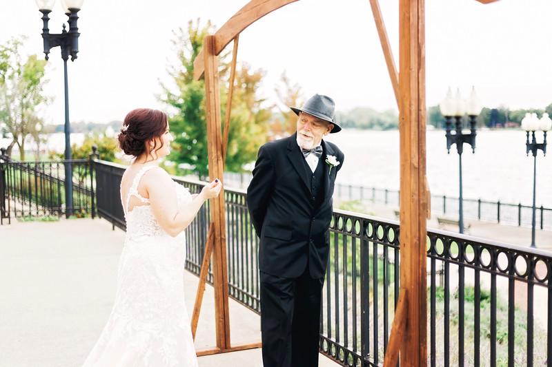 chateau-on-the-river-trenton-michigan-wedding-0089.jpg