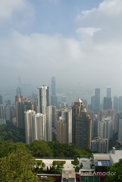 aeamador©-HK08_DSC0132 Hong Kong is a very modern, slick and clean city. It speaks high-class. View of the city from Victoria peak. Smog is equally impressive, though.
