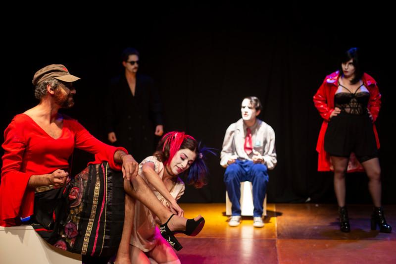 Allan Bravos - essenCIA Teatro - Persona 07-105.jpg