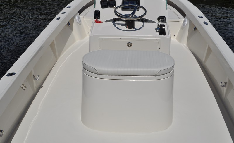 S248410-Helm Seat 50 Gallon Oval Baitwell