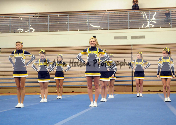 Cheer at LCC - Grand Ledge varsity - Round 3 - Jan 25