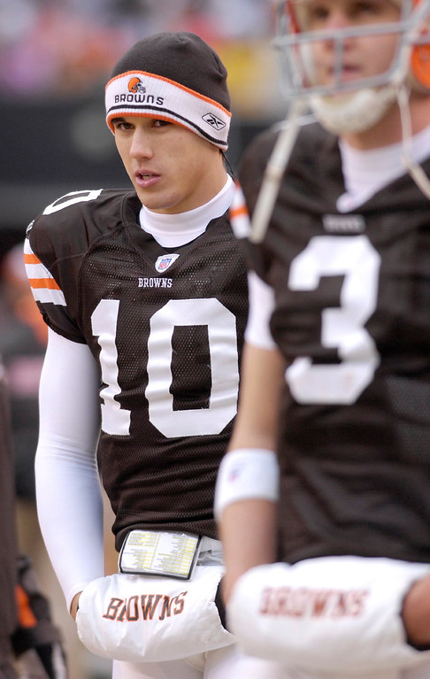 . News-Herald file Browns quarterbacks Brady Quinn and Derek Anderson on the sidelines Sunday during their game against the 49ers.