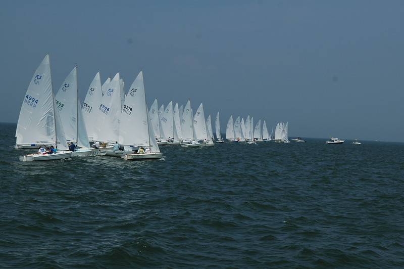 Start of Championship fleet race 4