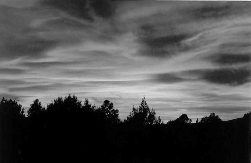 sedona sunset greyscale.jpg