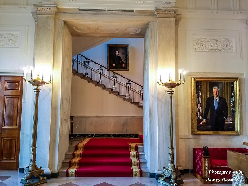 White-House-Tour-121920.jpg