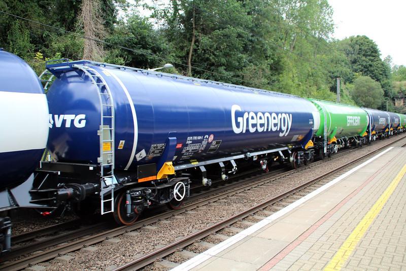 New GBRF TEA 83.70.7792008-5 on 6E92 Acton Lane-Immingham passes Welwyn North 23/08/12.