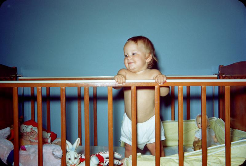 baby susan in crib june 1957.jpg