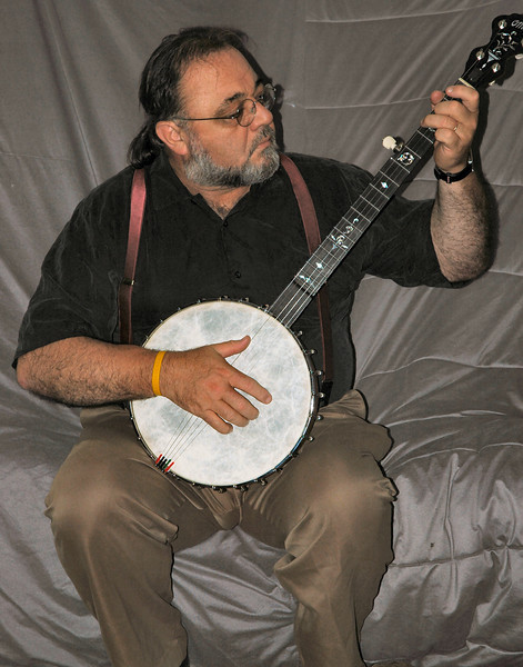 tony_ome-banjo.jpg