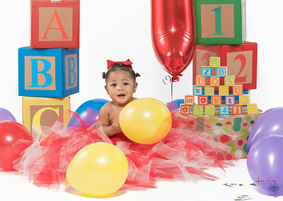 Ryleigh Curtis  1st Birthday Shoot