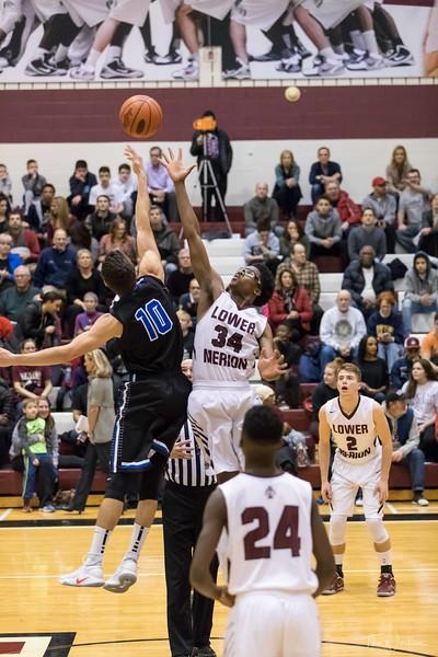 LMHS_boys_Basketball_vs_CBS-12.jpg