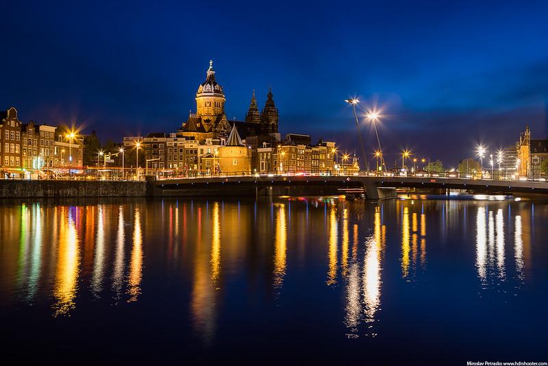 Amsterdam_DSC8183-web.jpg