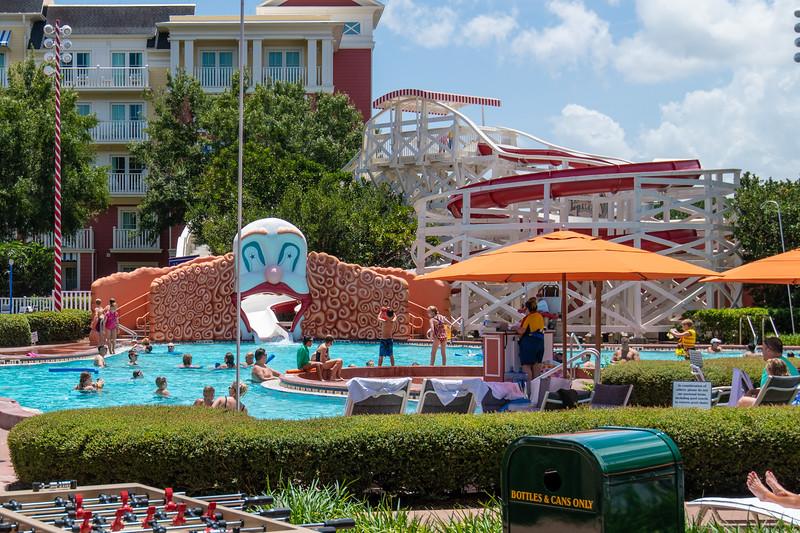 Dinsey Resorts-2-330-2.jpg