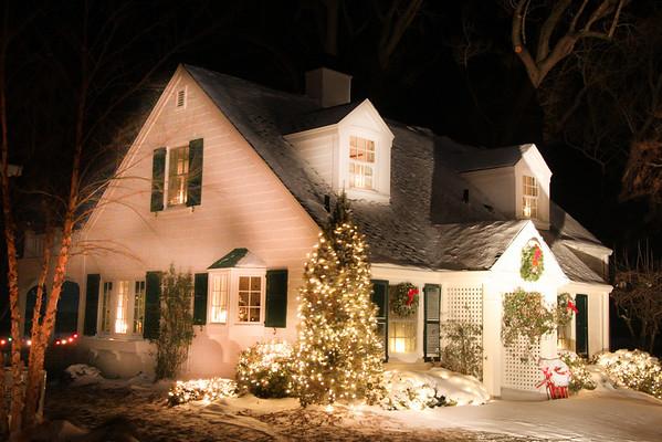 December 2009, The prettiest front doors-Christmas in Vermilion