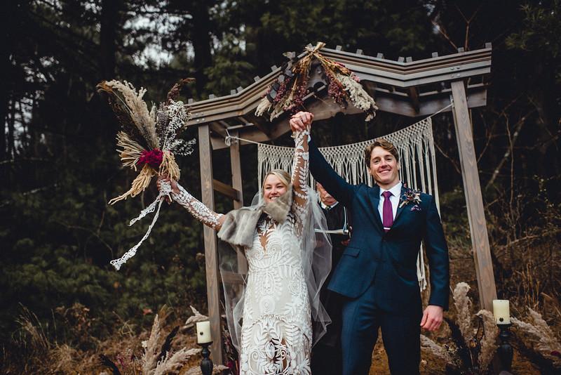 Requiem Images - Luxury Boho Winter Mountain Intimate Wedding - Seven Springs - Laurel Highlands - Blake Holly -1099.jpg