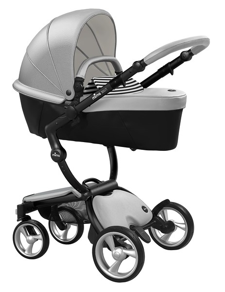Mima_Xari_Product_Shot_Argento_Black_Chassis_Black_And_White_Stripe_Carrycot.jpg