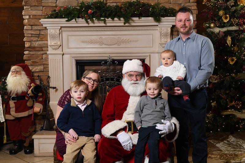 Santa2018.TylerBoye.-103.jpg