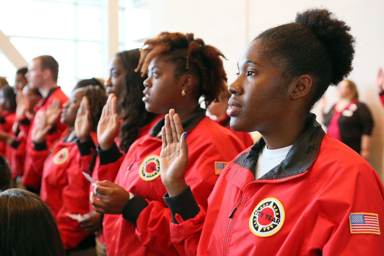 AmeriCorps City Year members take the pledge on AmeriCorps 20th Anniversary. Corporation for National and Community Service Photo.