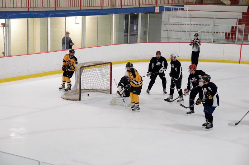 140913 Jr. Bruins vs. 495 Stars-122.JPG
