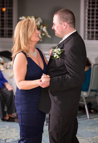 Groom and Mother dance.jpg