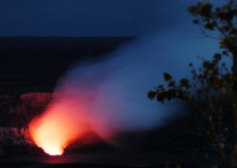296- 20080412- Hawaii 15- Volcano Nat'l Park Plume Night shots DSC_3219.jpg