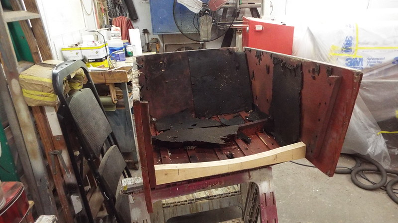 We removed the front engine box frame so we could reuse it because it has the hull number stamped on it.