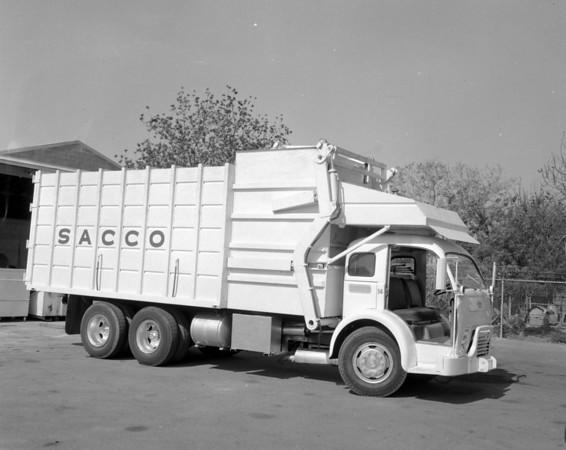 SACCO 1955 White 3000 Bowles FL
