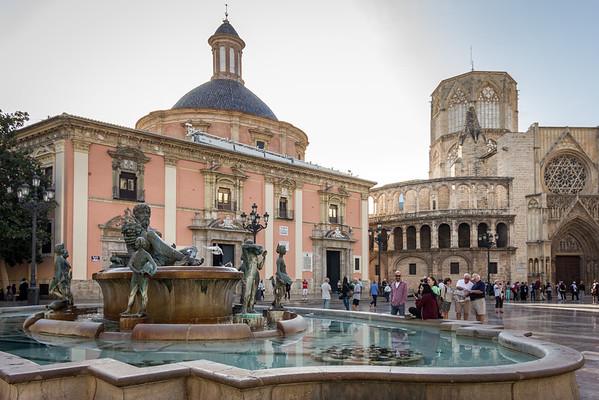 Plaza de la Virgen-Old Town Valencia 10-20-14