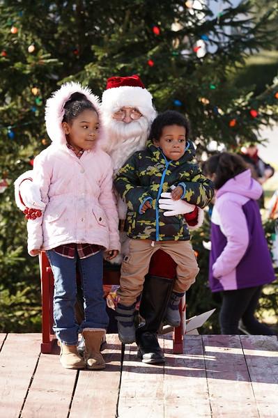 Santa In The Park 20190033.JPG