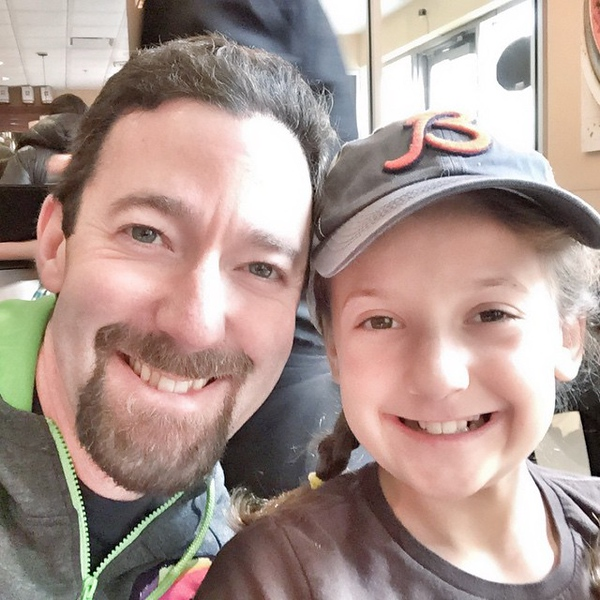 Post-race brunch with my #1 cheerleader. #hotchocolate15k