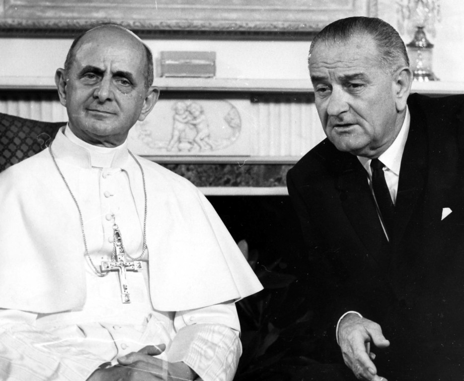 . ** FILE ** Pope Paul VI, left, and President Lyndon B. Johnson are seen during the Pontiff\'s visit to New York in this Oct. 4, 1965 file photo. The trip presented protocol problems. President Johnson wanted to see him, but the pontiff was a chief of a state not officially recognized by the U.S. The solution: Johnson flew to New York for dinner at the apartment of his friend Arthur Goldberg, the U.S. ambassador to the United Nations, and the pontiff was welcomed to Johnson\'s suite at the Waldorf-Astoria Hotel the next day. (AP Photo/File)