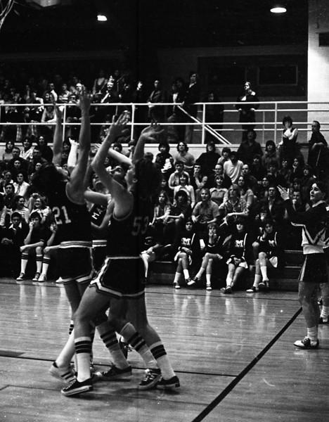 THS Basketball.75-10