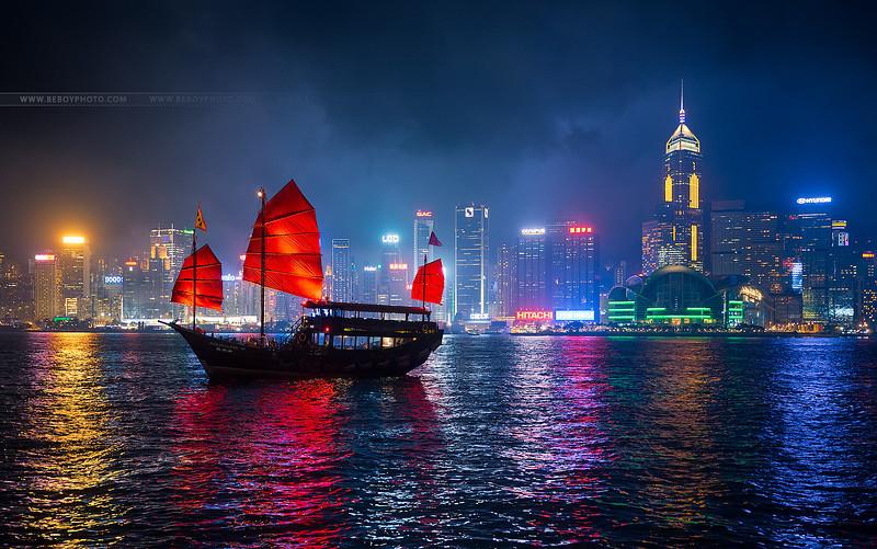 Hong-Kong boat.jpg