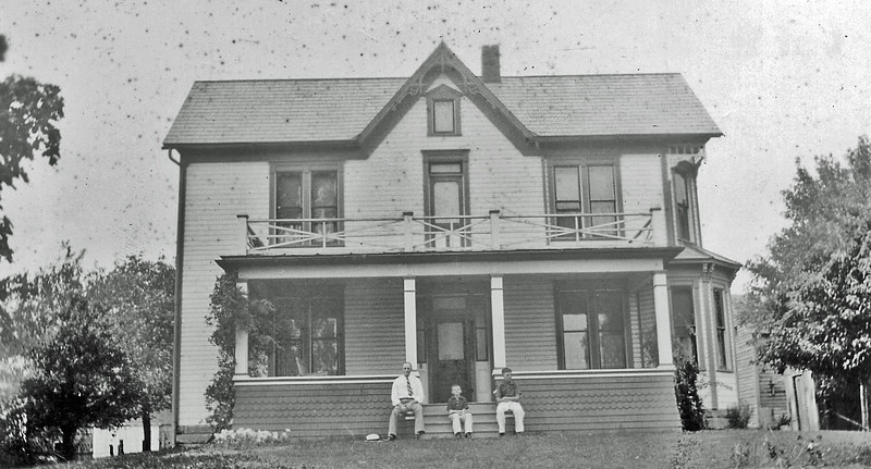JT Denbow Homestead (Woodsfield).jpg