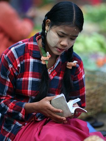 Nuang U Market