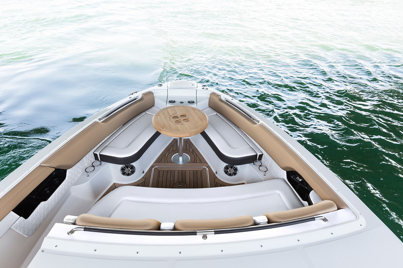 2019-SLX-400-Bow Seating White.jpg