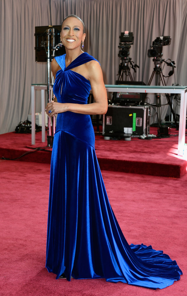 . TV personality Robin Roberts arrives at the Oscars at Hollywood & Highland Center on February 24, 2013 in Hollywood, California.  (Photo by Frazer Harrison/Getty Images)