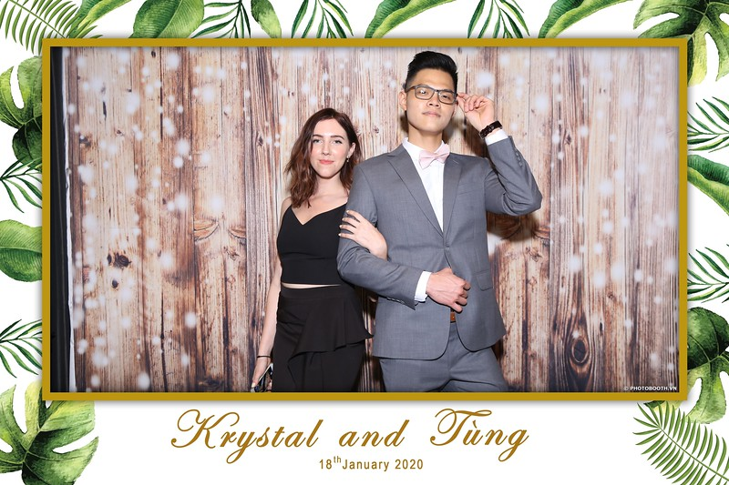 Krystal-Tung-wedding-instant-print-photo-booth-in-Ho-Chi-Minh-City-Chup-hinh-lay-lien-Tiec-cuoi-WefieBox-Photobooth-Vietnam-015.jpg