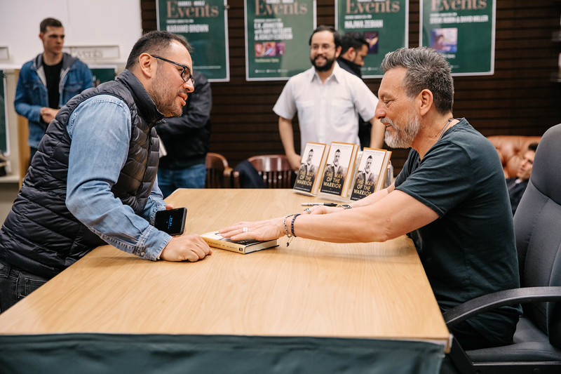 2019_2_28_TWOTW_BookSigning_SP_635.jpg