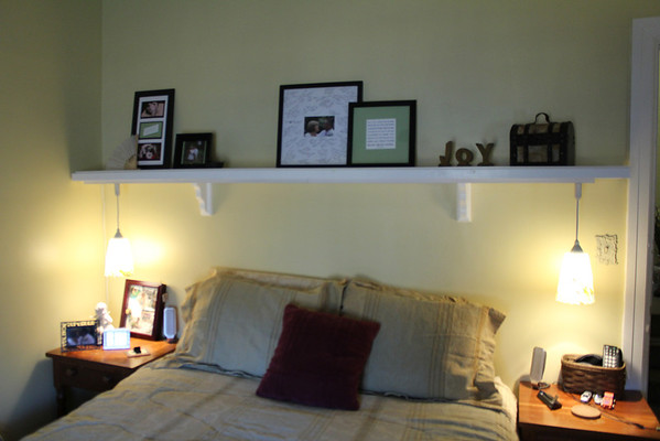 Bedroom Shelf 2013-01-04