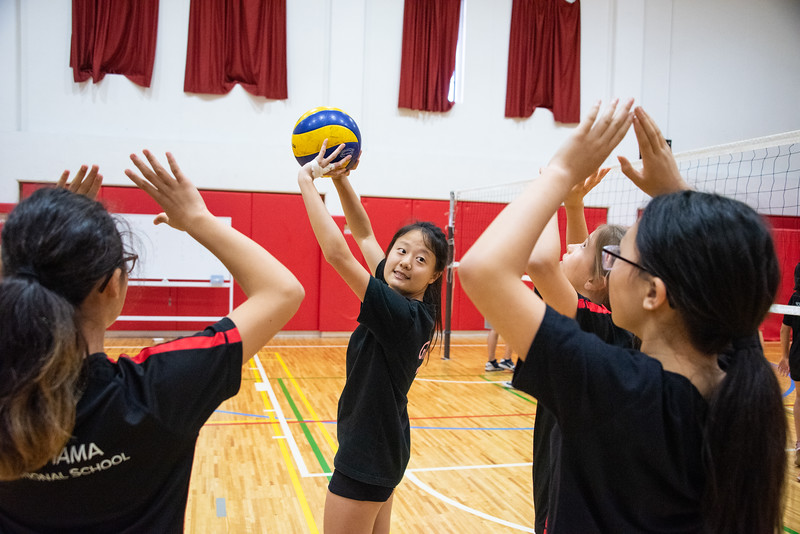 PE Leadership-Gr12 and Gr6 Volleyball Workshops-YIS_2600-2018-19.jpg