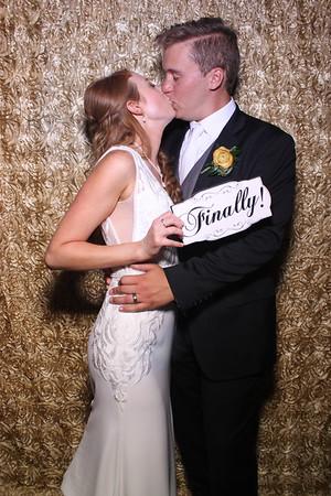 Erin and Ben's Cantigny Park Wedding Mirror Photo Booth