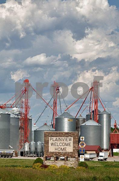 Grain elevators in Planview, MN.