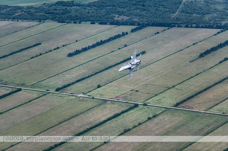 F20180609a112440_2099-F-18A Hornet-J-5020-Suisse-Demo-a2a-Aalborg,Danemark.JPG