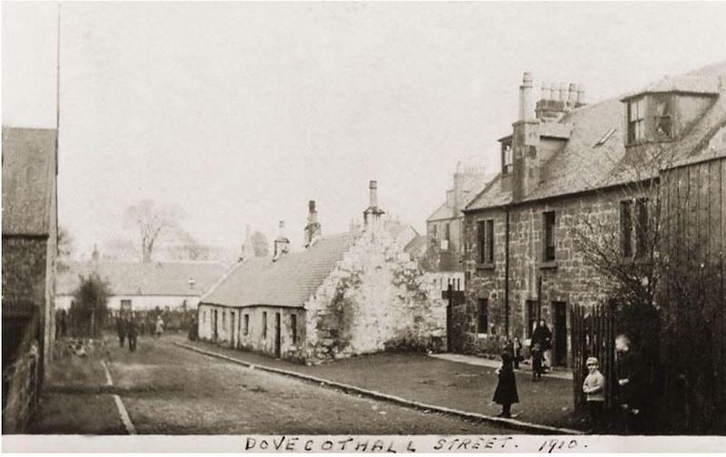 Dovecothall St, Barrhead 1910 © SCRAN